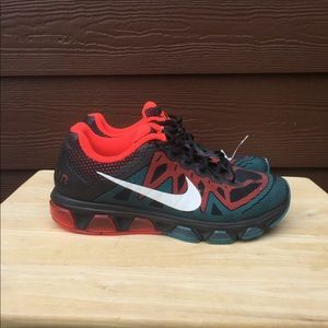 Nike Max Air Tailwind 7 Running Shoe